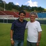 O auxiliar técnico do Villa Sérgio Manoel e o grande craque do futebol local Moacyr Toledo, administrador do Estádio