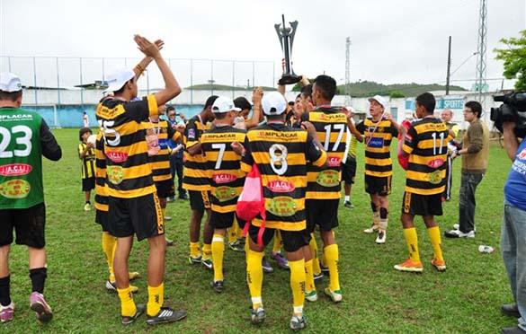 Uberabinha: goleada, título e alegria na categoria juvenil da Copa Prefeitura Bahamas de Futebol Amador