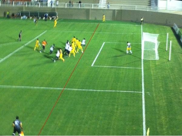 Gol anulado contra o Minas, no último lance da partida, é uma das broncas do Nacional quanto a arbitragem (Foto: Clayton de Paula)