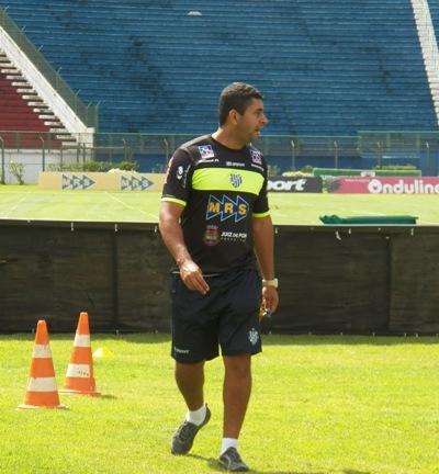 Ludyo tem apenas 29 anos, mas possui larga experiência no futebol