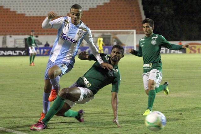 Lance de Guarani 1x0 Macaé, partida pela chave do Tupi na Série C disputada em Americana (SP) no domingo à noite