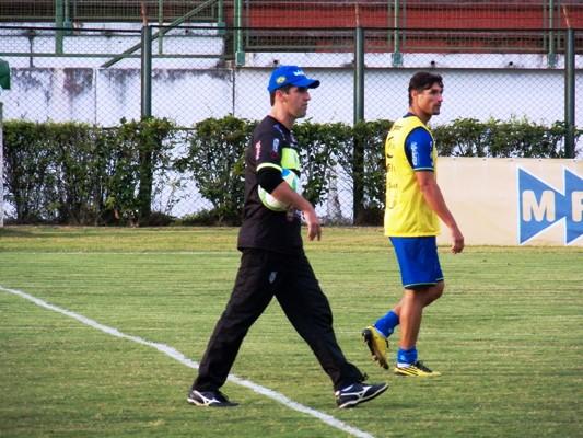 Condé se movimentou muito durante a semana, orientando os jogadores durante os treinamentos