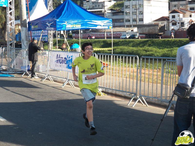 Marcos foi um dos primeiros a chegar, ao correr todo o percurso de 3km