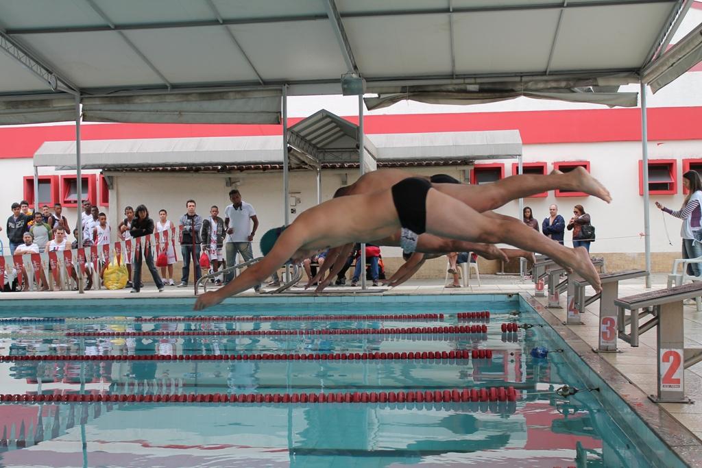 Natação confirma tradição é uma das modalidades mais disputadas dos Jogos Sesi Juiz de Fora