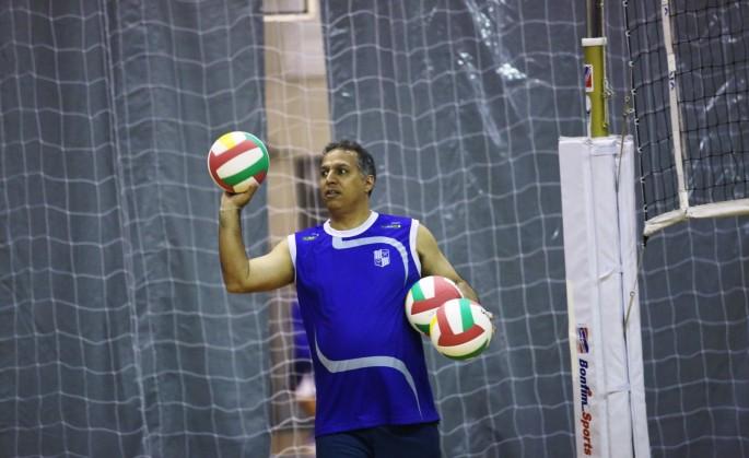 Técnico do Minas, Nery Tambeiro tem equipe jovem em mãos