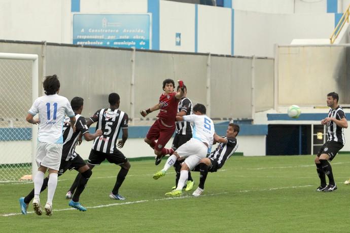 Rodrigo foi fundamental na vitória do Tupi na tarde do sábado