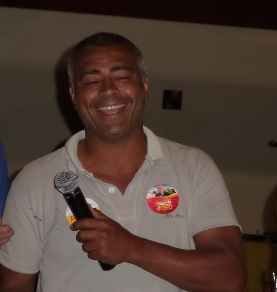 Mesmo cansado, Romário conversou com o Toque de Bola e encontrou motivos para sorrir em Juiz de Fora