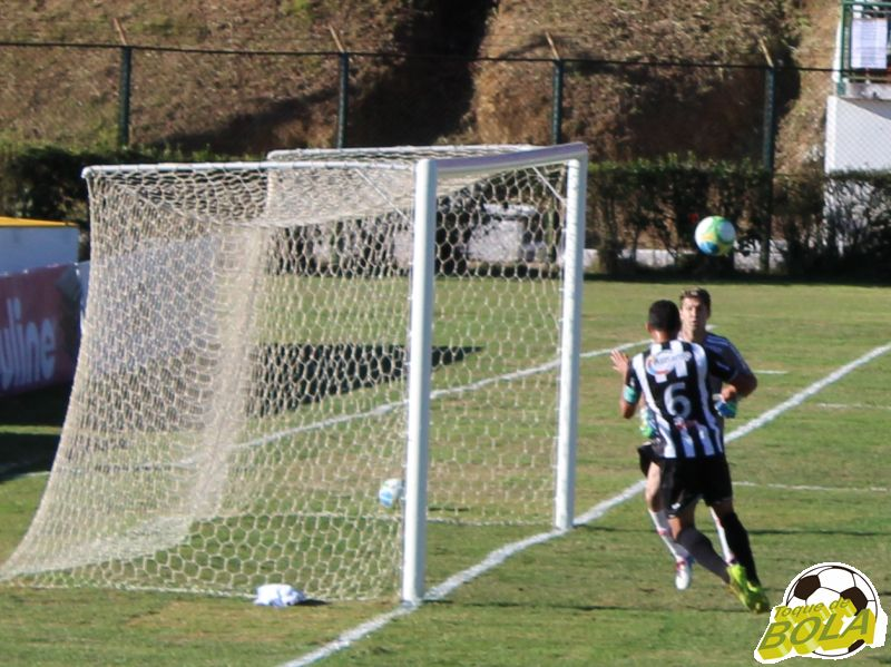 04 - Cabeceio para trás segundo gol