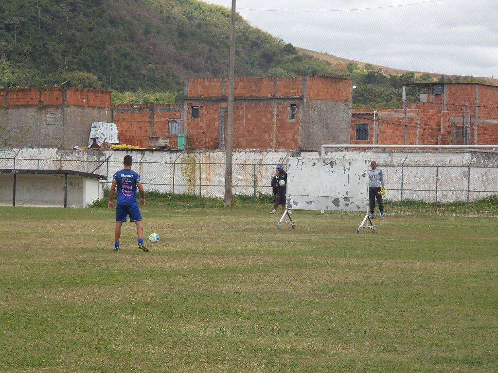 Treino de cobranças de falta foi realizado ao final das atividades de sábado,  no Estádio Salles Oliveira