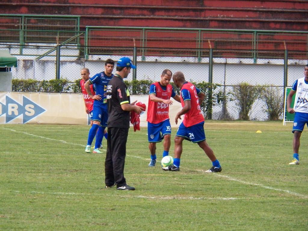 Adê atuou no ataque ao lado de Maranhão, Chico e Ewerton Maradona
