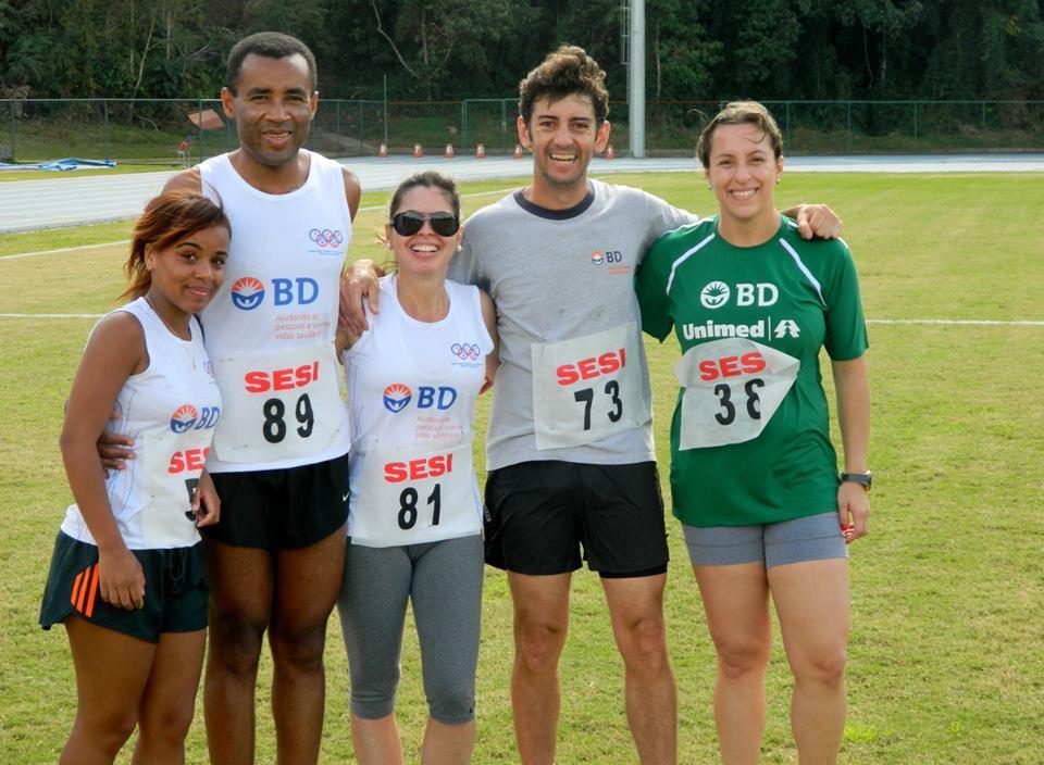 Waldir (segundo da esquerda para a direita) conquistou belo resultado em Santos Dumont