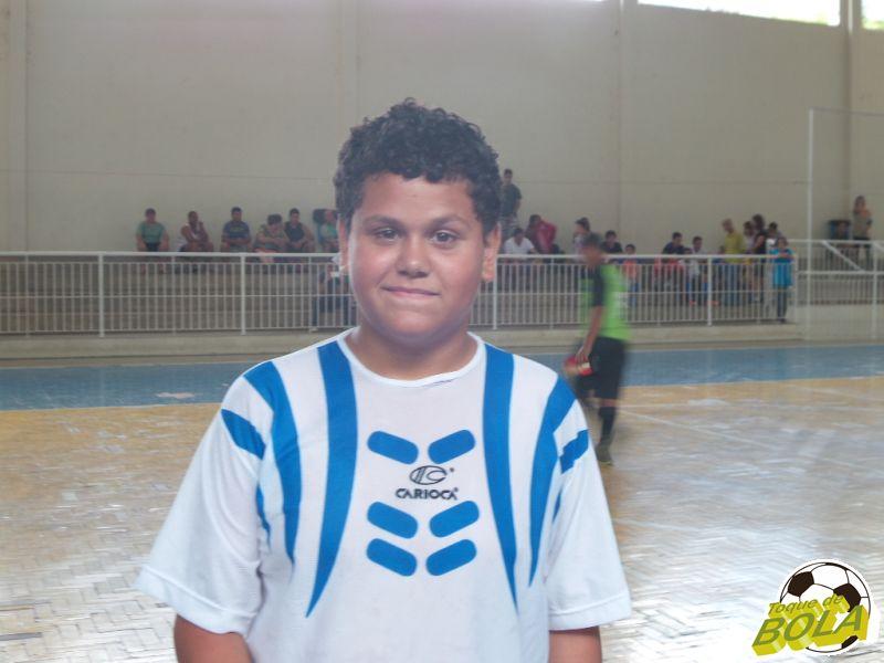 Ramon brilhou com gols em estilos diferentes na vitória do Sub-13 do São Mateus sobre a AABB: 2 a 0