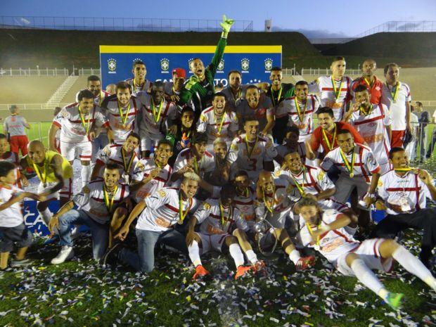 Tombense comemora título da Série C do Brasileiro 2014. Foto: Site oficial do clube