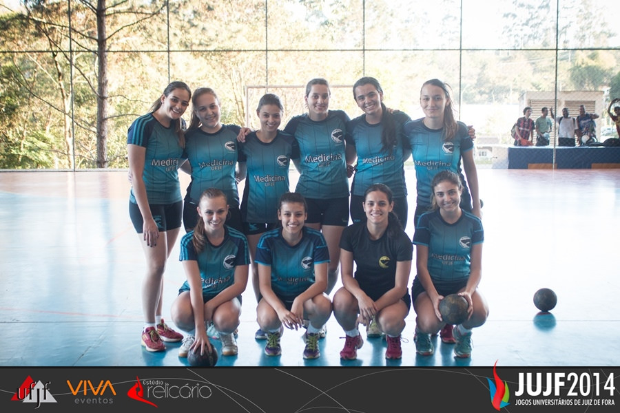 Equipe de handebol feminino da Medicina UFJF