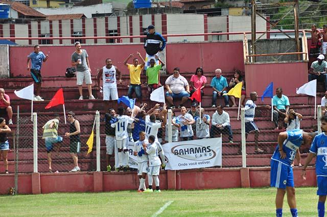 Quadrangular adulto: torcida marcou presença no Estádio José Paiz Soares, histórico cenário do Tupynambás e do futebol local e regional