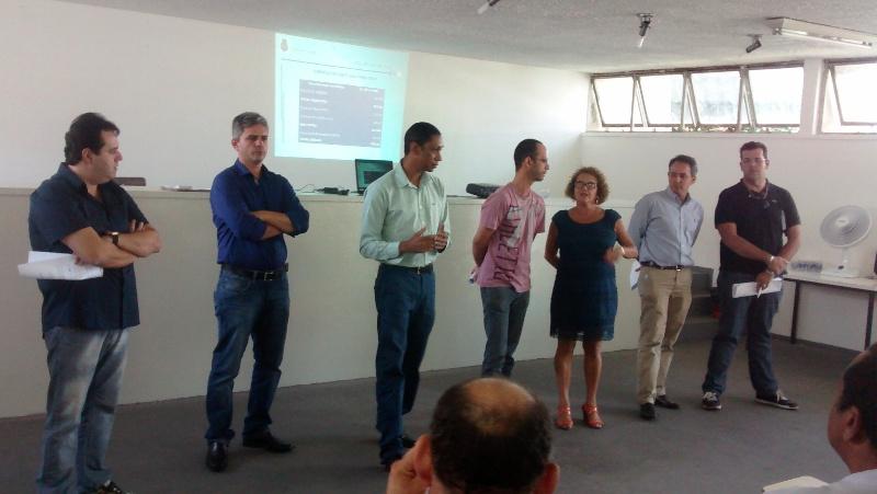 Ao lado de Canalli (primeiro à esquerda), o Subsecretário de Receita da Secretaria da Fazenda, Roland Barcelos, conduziu a auditoria com orientações aos representantes dos clubes