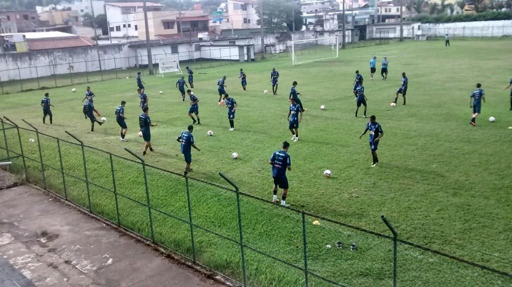 Muitos testes no último treino antes do jogo em Governador Valadares