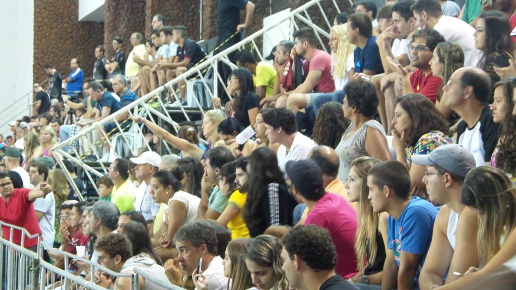 Torcedor compareceu em peso ao ginásio da Faefid na última partida da UFJF pela Superliga 2014/15