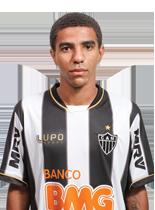 Roger, de 23 anos, foi revelado pelo Atlético Mineiro (Foto: Portal O gol)