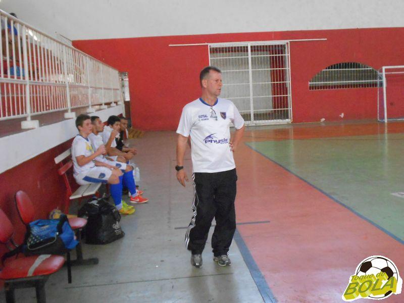Sérgio Moraes comanda as equipes do Clube Bom Pastor