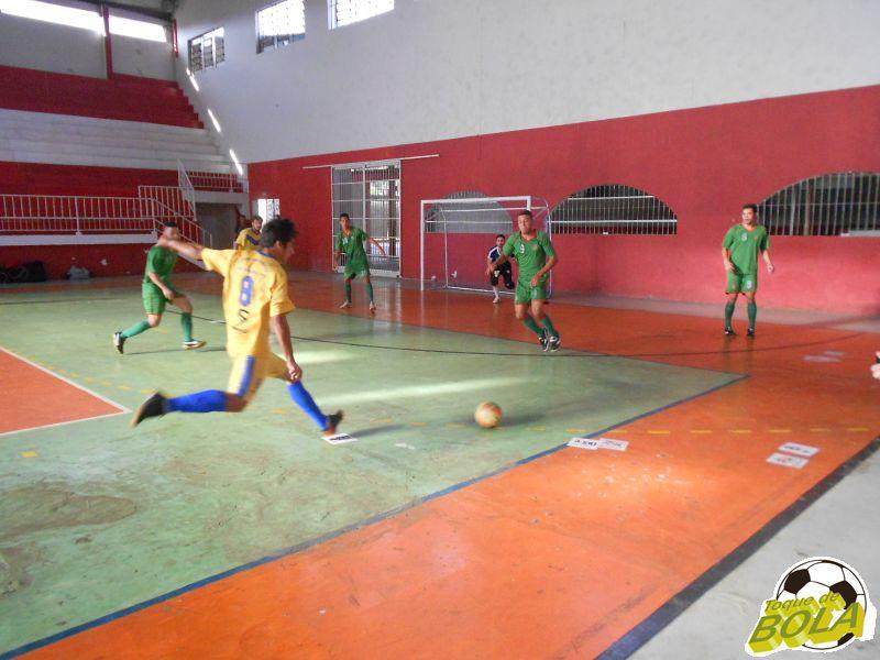 Quatro jogos com 27 gols agitaram a tarde de sábado, 30, no Tupynambás