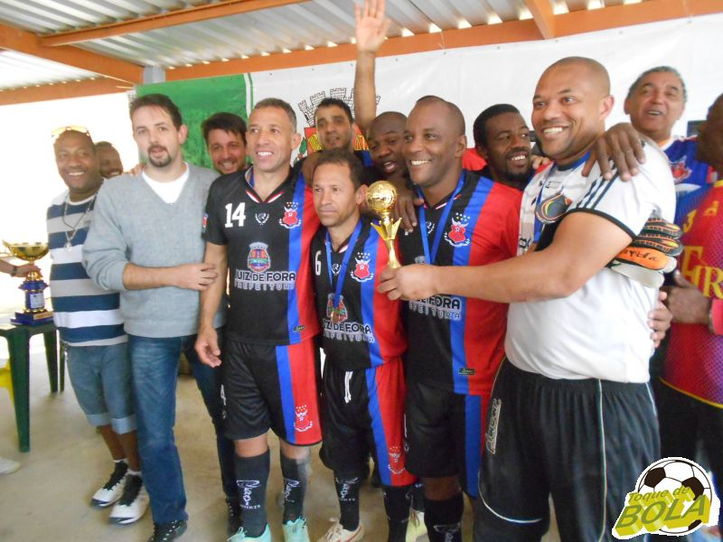 Flor da Esquina comemora também prêmio de melhor defesa da Copa