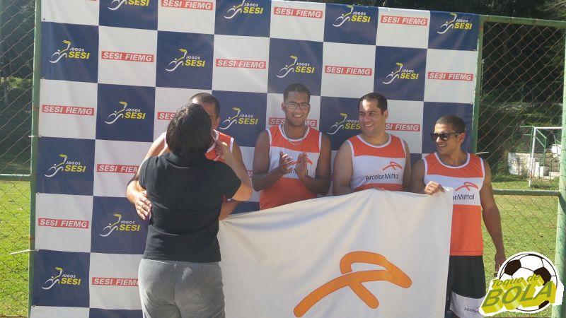 Ronaldo, da Arcelor, recebe o incentivo de Elizete