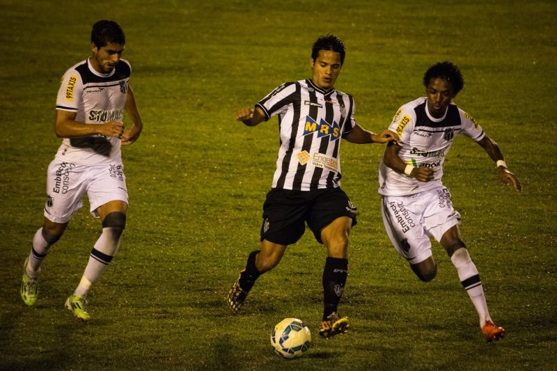 Daniel Morais terá duelo com Leandrão, atacante do Brasil, que divide a artilharia da Série C ao lado do carijó
