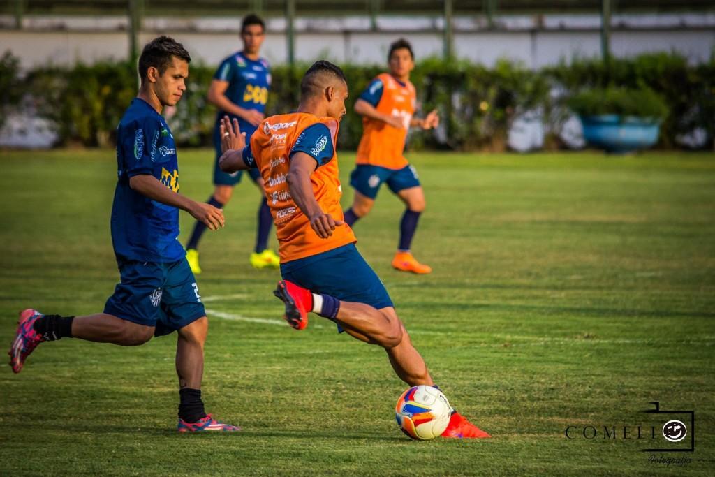 Tupi treinou na tarde desta sexta-feira no Estádio Mário Helênio, palco do jogo contar o Londrina neste sábado, 19h, com transmissão do Toque de Bola