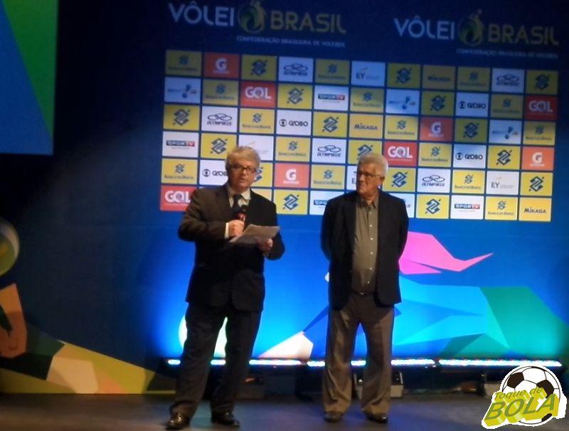 Trade (esquerda) divulgou novidades ao lado do presidente da CBV, Walter Pitombo Larangeiras - o Toroca