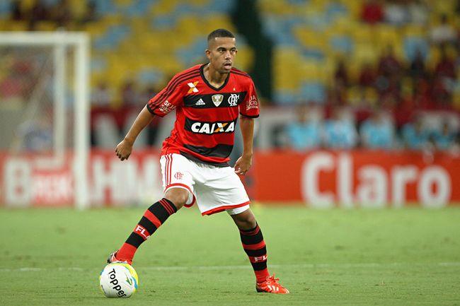 Recife defendendo o Flamengo (Foto: Divulgação)