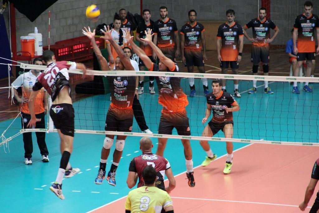 Canoas venceu por 3 sets a 0 (Foto: Divulgação)