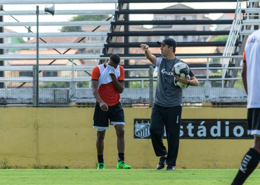 Leo Condé fez ótima campanha na fase de classificação do Paulista A-2, mas o time foi eliminado nas quartas-de-final...