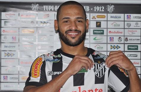 Bruno Costa no dia de sua apresentação oficial (Foto: Divulgação/Tupi)