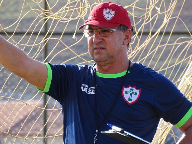Estevam Soares treinou a Portuguesa (SP) na Série C de 2015 e enfrentou o Tupi em Juiz de Fora