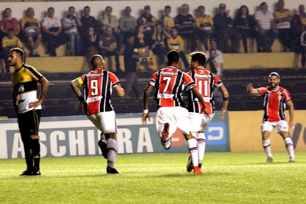 Joinville venceu e deixou o Tupi para trás na classificação da Série B