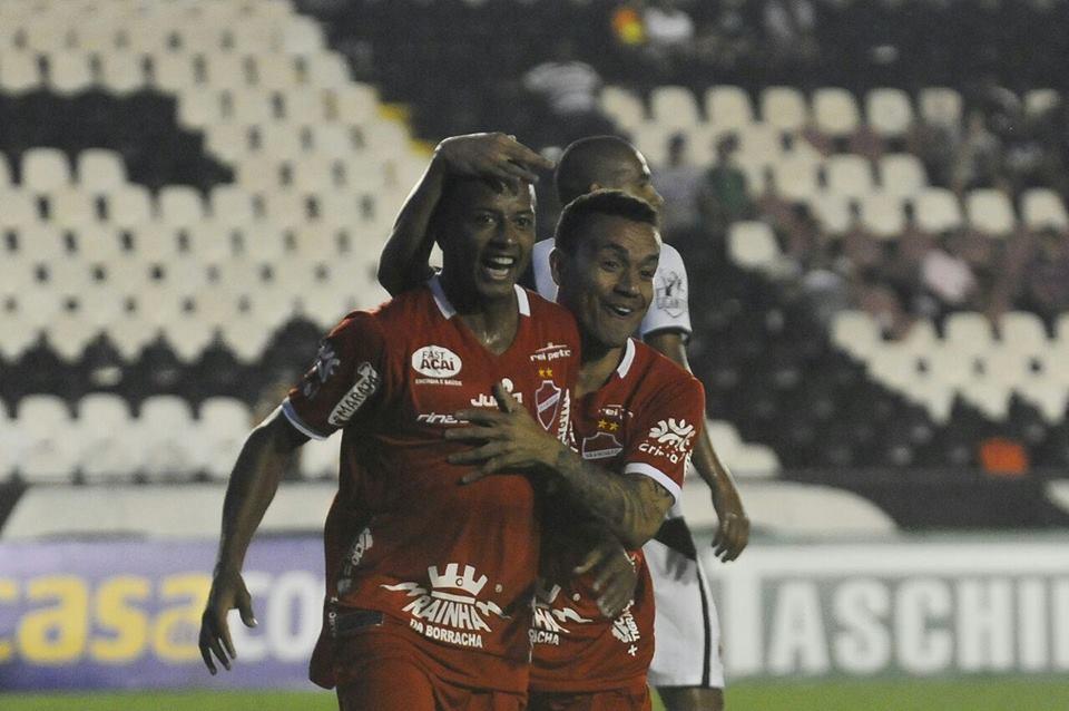 Revelado nas categorias de base do Tupi, Maguinho abriu o caminho da vitória do Vila Nova-GO sobre o Vasco em pleno estádio do clube carioca