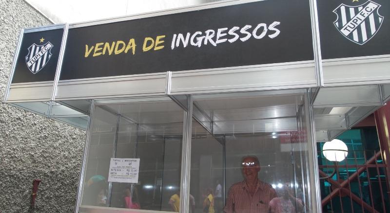 Ingressos de Tupi x Bragantino começaram a ser vendidos nesta quinta-feira. Na foto, o posto do Calçadão da Rua Halfeld