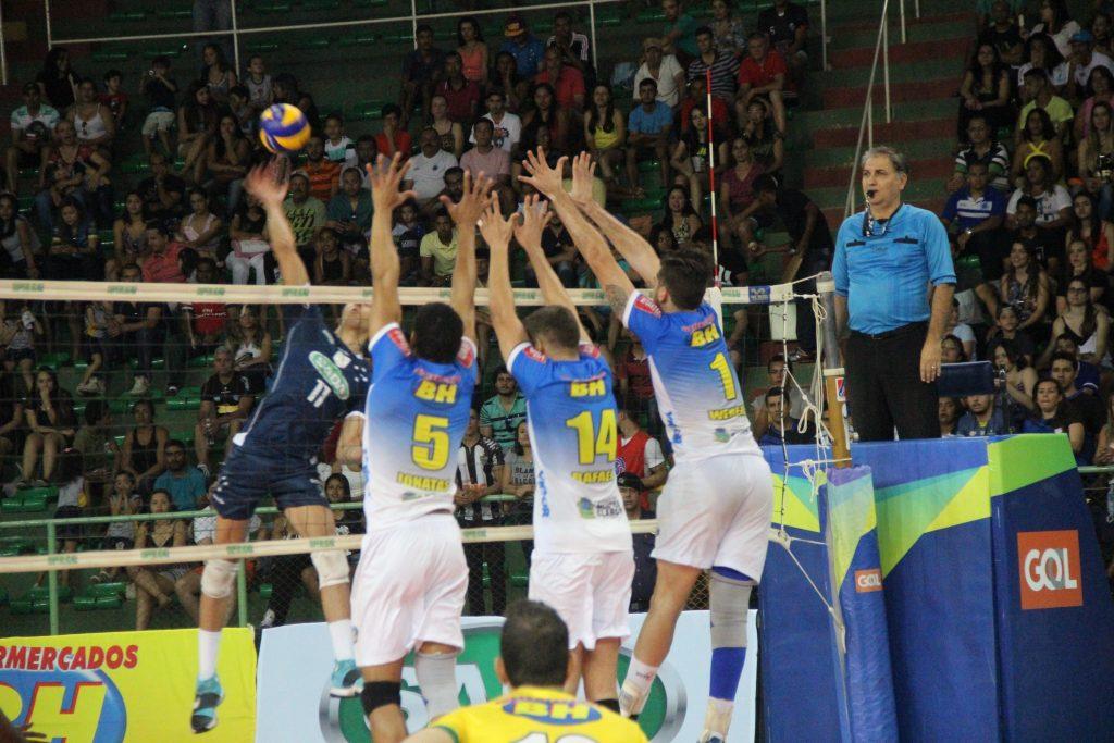 Montes Claros estreou com derrota em casa no Mineiro. (Foto: Site Oficial do Montes Claros Vôlei)