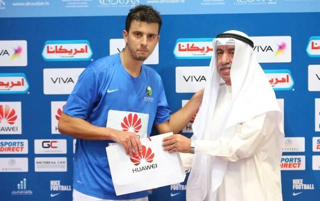 No Al Dhafra, dos Emirados Árabes, Leo foi eleito o melhor jogador da equipe no Mundial de Clubes da FIFA, em 2015