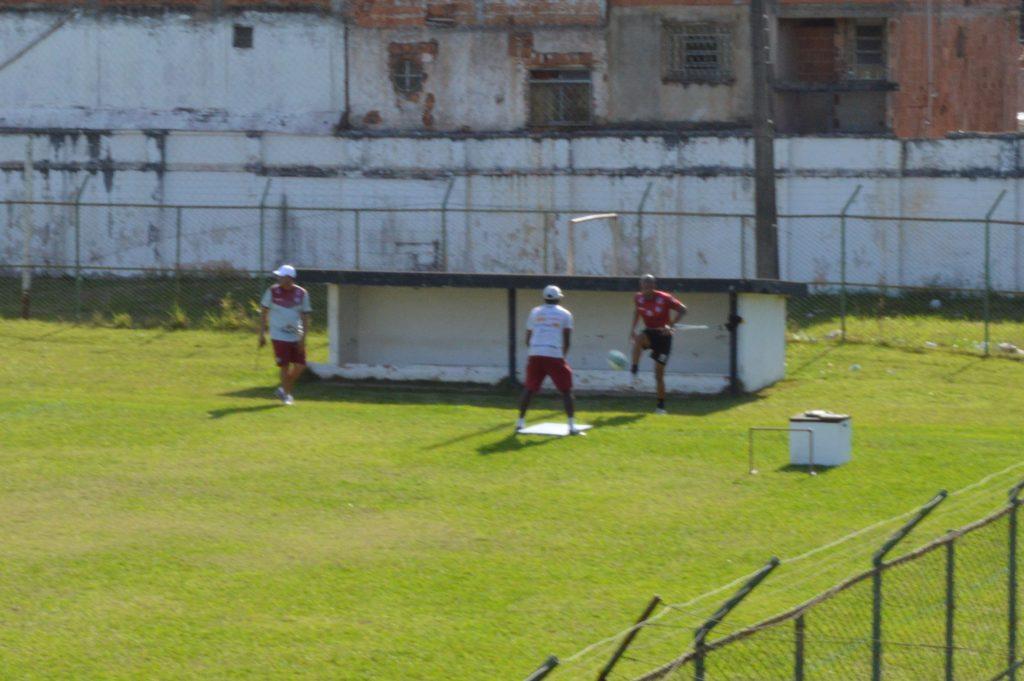 Sozinho, Gabriel Santos fez treinamento com outros membros da comissão técnica