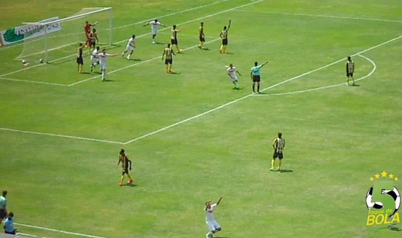 O momento do gol de Thales na vitória do Baeta sobre o Betinense por 1 a 0