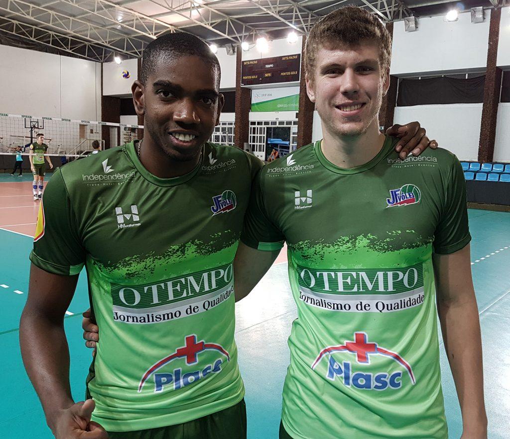 Moreno e Rammé foram anunciados nesta terça-feira, véspera da estreia da equipe local, como novos reforços para a temporada
