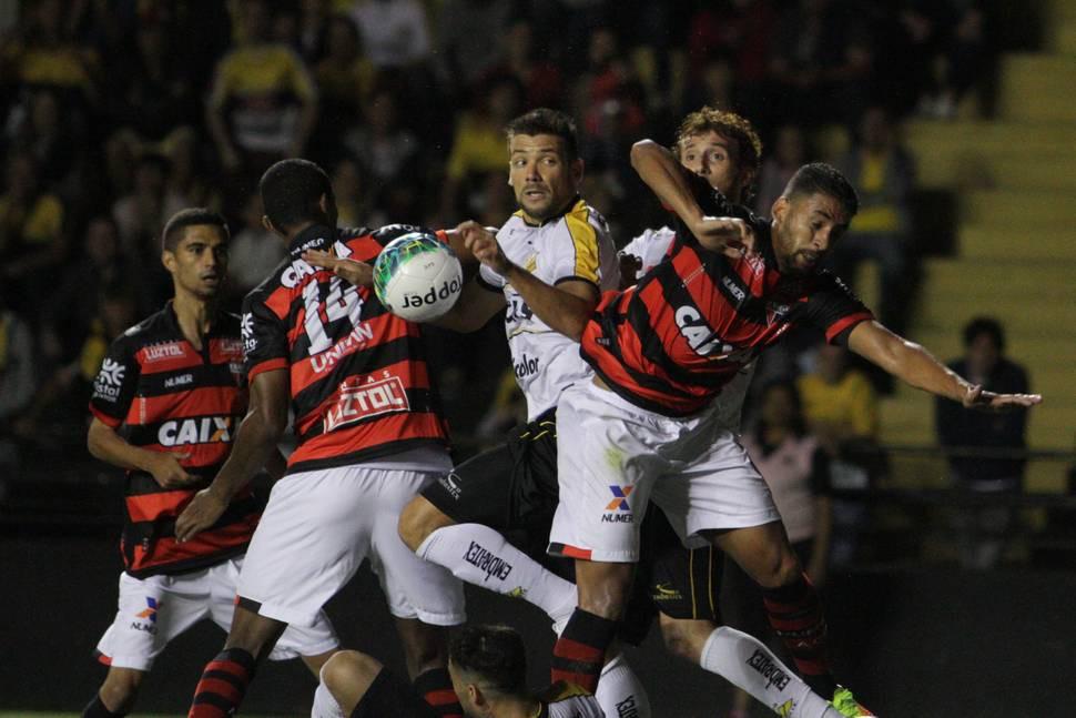 Atlético-GO ignorou fator campo e segue líder