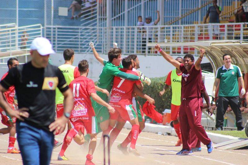 Equipe do Boa comemora acesso em Varginha (Foto: Asscom Boaec/Pakito/Edimar/Gianluca)