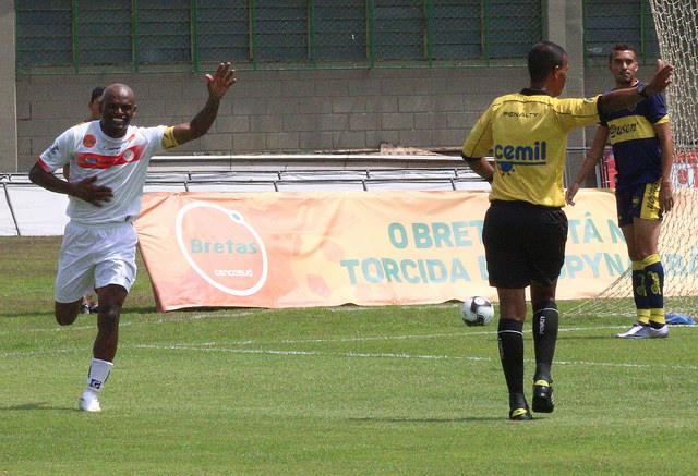 Ademilson já marcou 50 vezes no Estádio Municipal jogando por Tupi e Tupynambás