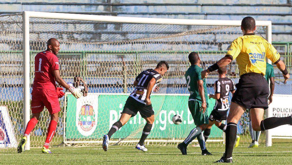 Gol de Hiroshi em Tupi 1 x 1 Caldense, última partida do Carijó no Campeonato Mineiro 2016, em 10 de abril