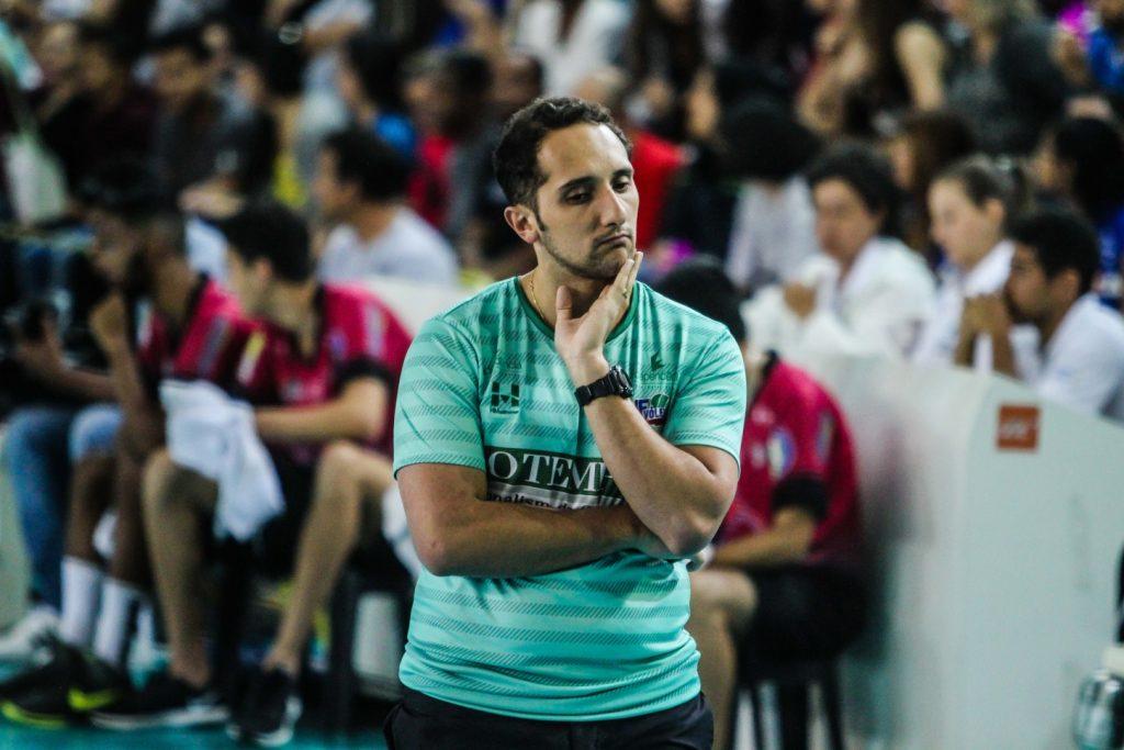 Henrique Furtado, treinador do JF Vôlei, fala em aprendizados após encarar Brasil Kirin e Sada Cruzeiro logo nas duas rodadas iniciais da Superliga