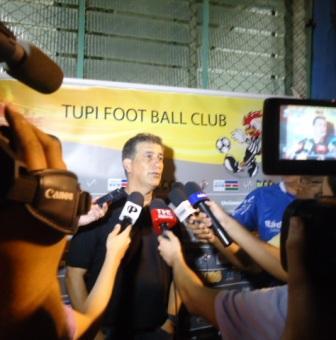 Read more about the article Vídeo: Toque de Bola (re)apresenta entrevista com Ricardo Drubscky de 2011, antes do título nacional carijó