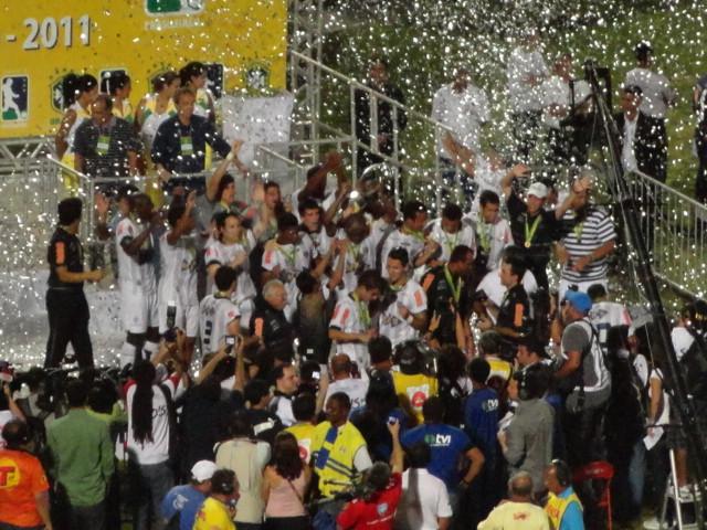Tupi já enfrenta dura realidade em 2012, e ainda recebe prêmios por 2011